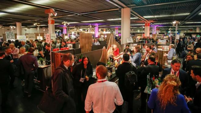 """ProWein特别展区""""同中存异"""":聚焦精酿饮品风潮,为近100家各类精酿烈酒、精酿啤酒和苹果酒生产商提供展位"""